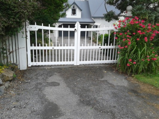 Trellis Centre - Cape cod chairs | Garden gates | Loveseats | Gazebos Shipped to your door
